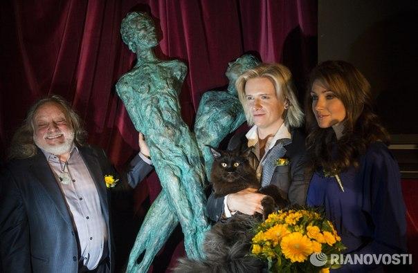 Открытие памятника «Мастер и Маргарита» в музее «Дом Булгакова» в Москве